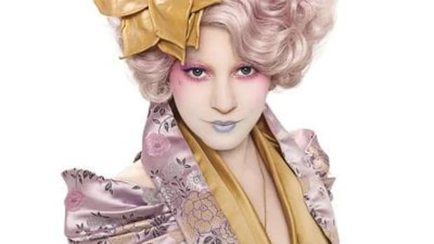 effie-hunger-games-400x442