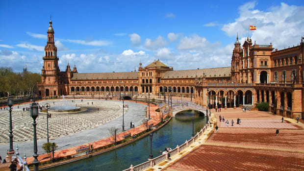 Plaza de España, Seville (Flickr: Federica Chioni)