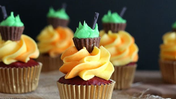 9 Halloween Cupcake Treats
