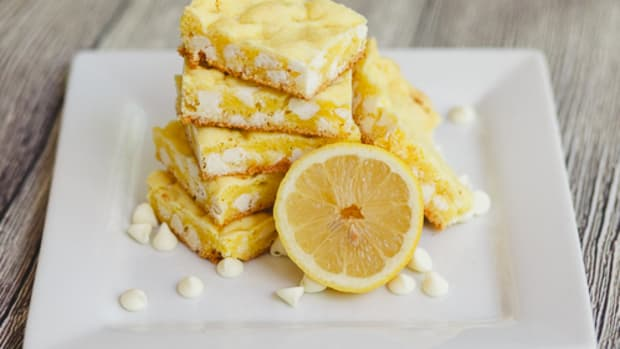 Lemon White Chocolate Lazy Cookie Cake Mix Bars-5