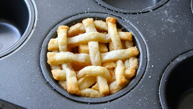 muffin tin apple pie