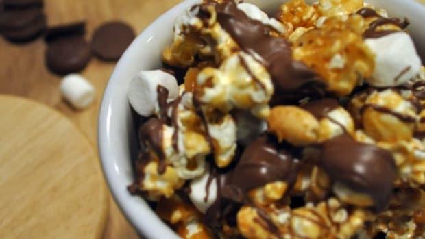 Rocky Road Gourmet Popcorn Recipe - TodaysMama.com