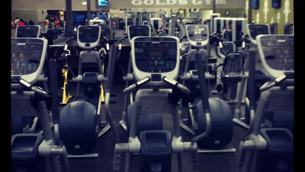 You know who goes the gym on Friday nights? Me....and apparently NO ONE ELSE.