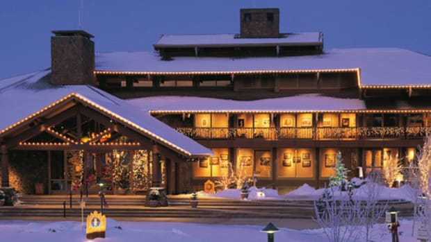 5 Kid-Friendly New Year's Getaways www.TodaysMama.com #newyear