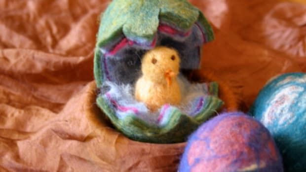 Felted Easter Egg with Chick