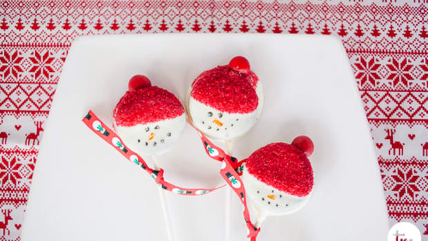 Easy Christmas Chocolate Dipped Treats-6827