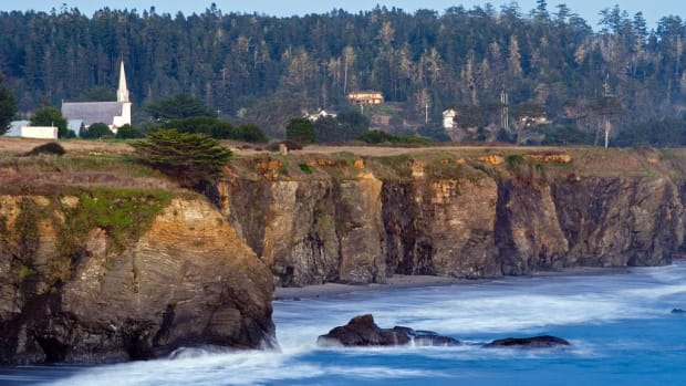 Mendocino coast at sunset, one of California's most picturesque towns (Flickr: Nelson Minar)