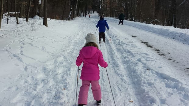 Skiing with Kids www.TodaysMama.com