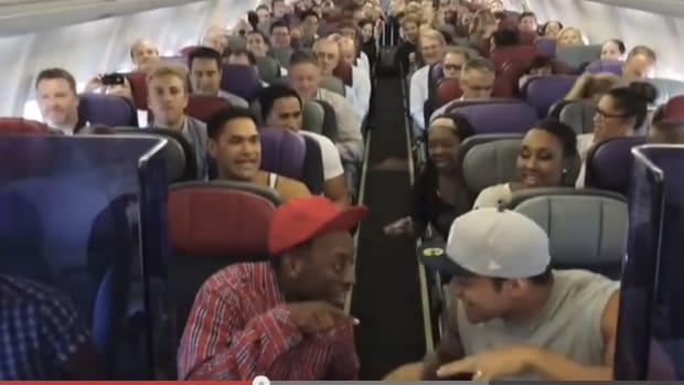 Lion King Cast Serenades Passengers on Virgin Flight www.TodaysMama.com