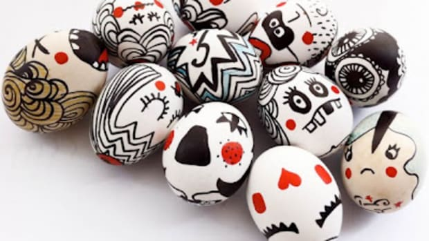 9 Creative Ways to Decorate Easter Eggs www.TodaysMama.com #Easter