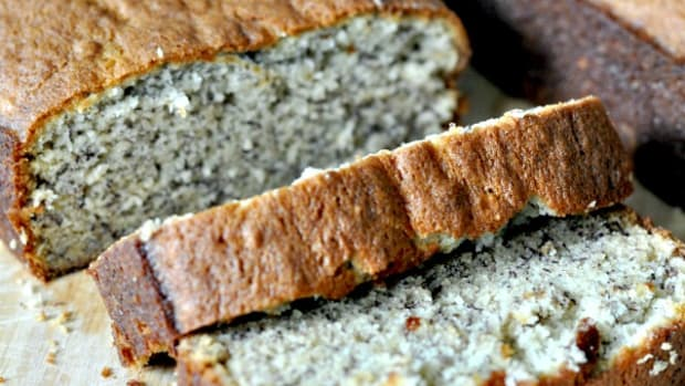Easy Banana Bread Recipe - TodaysMama.com