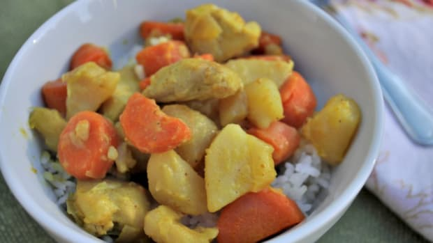 Thai Yellow Chicken Curry Recipe - TodaysMama.com