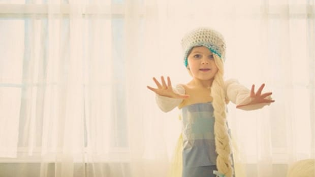 This 4-Year-Old Makes Runway-Worthy Paper Dresses With Her Mom www.TodaysMama.com #Mayhem