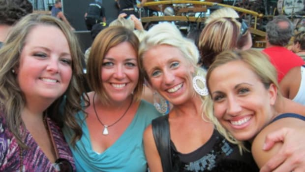 Four friends before Sugarland concert. From left to right: Hailey, Hillery, Kendra & Andrea.