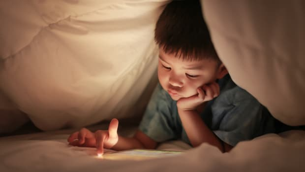 What You Need to Know About Screen Time Before Bed