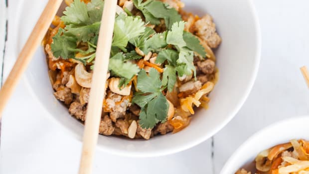 Whole 30 Egg Roll in a Bowl Recipe-8