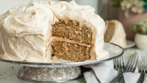 Snickerdoodle Cake with cream cheese frosting recipe