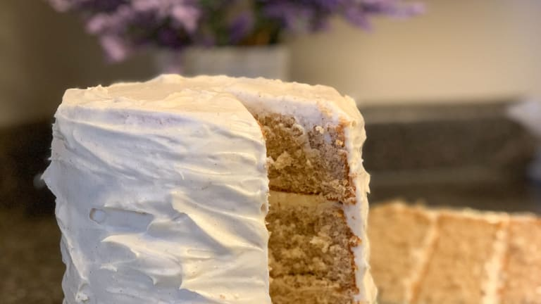 Snickerdoodle Cake with Cinnamon Cream Cheese Icing