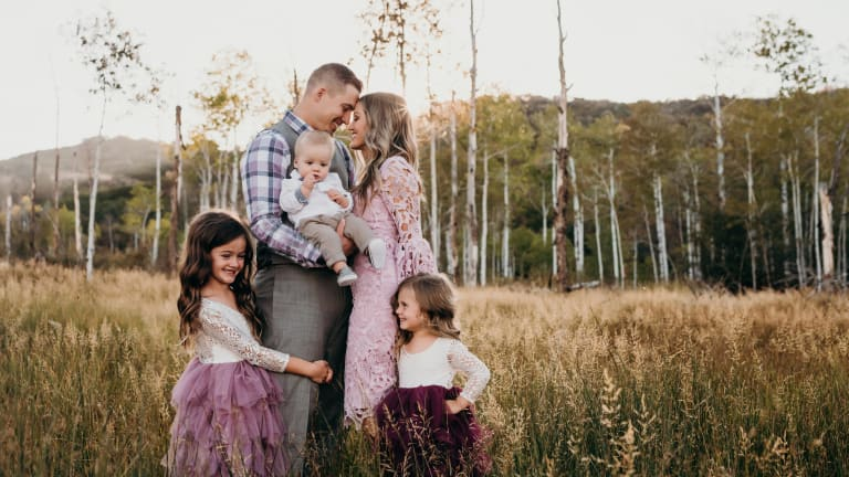 Family Photo Shoot Outfit Ideas From A Professional