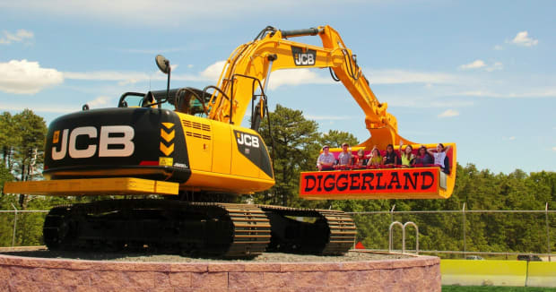 Diggerland for kids who love trucks