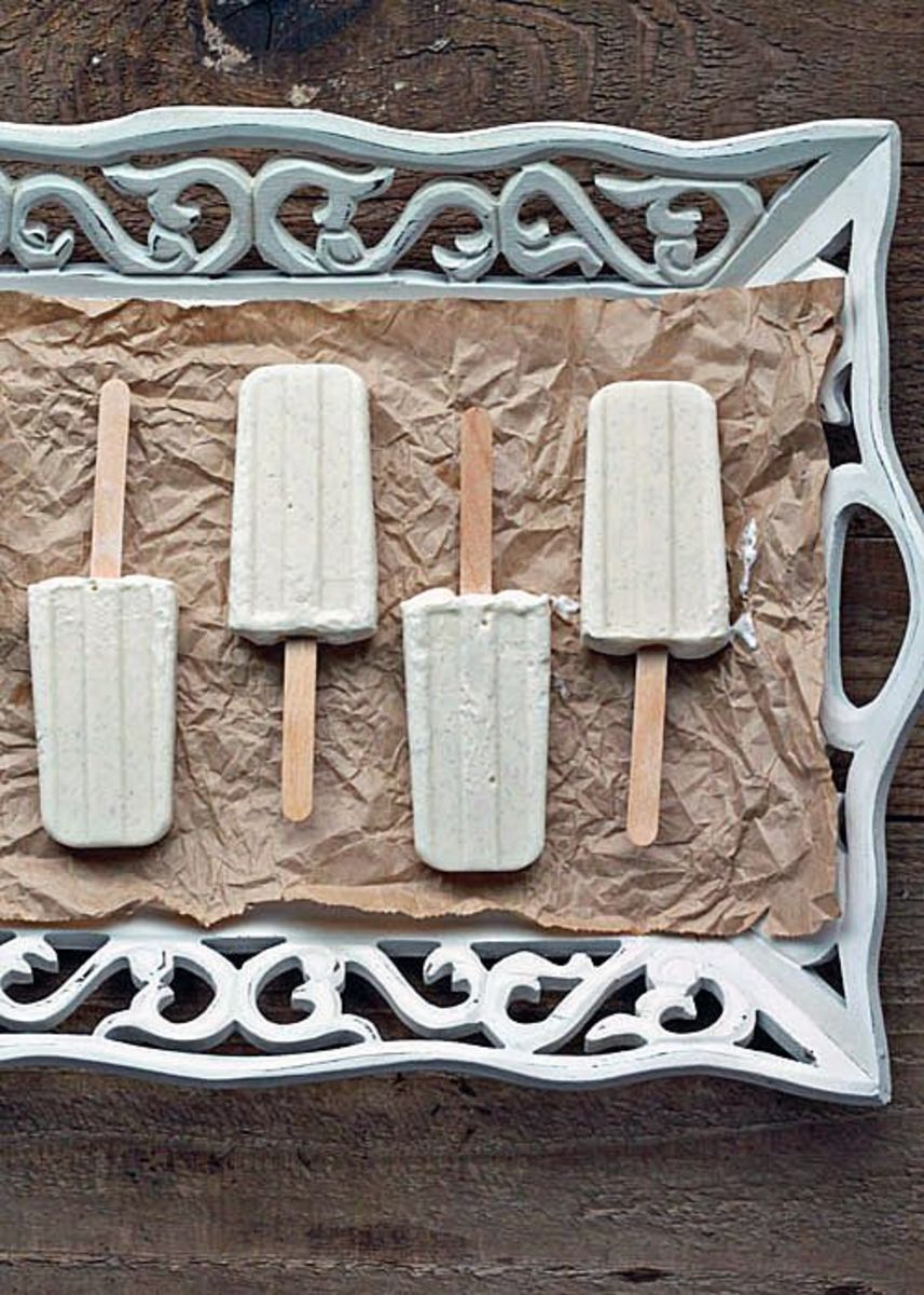 Skinny Vanilla Bean Cheesecake Popsicles | Kitchen Treaty