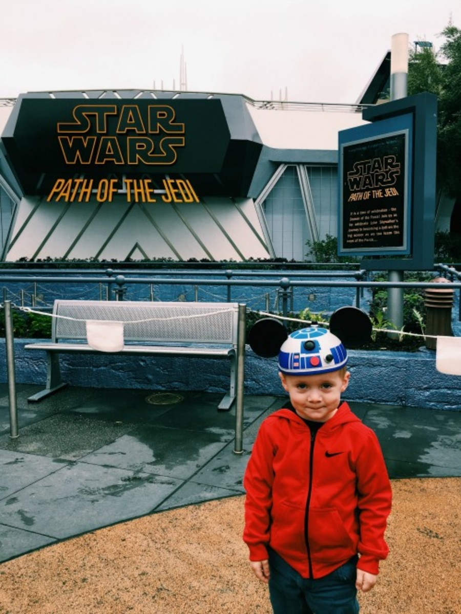 Star Wars Disneyland with toddlers