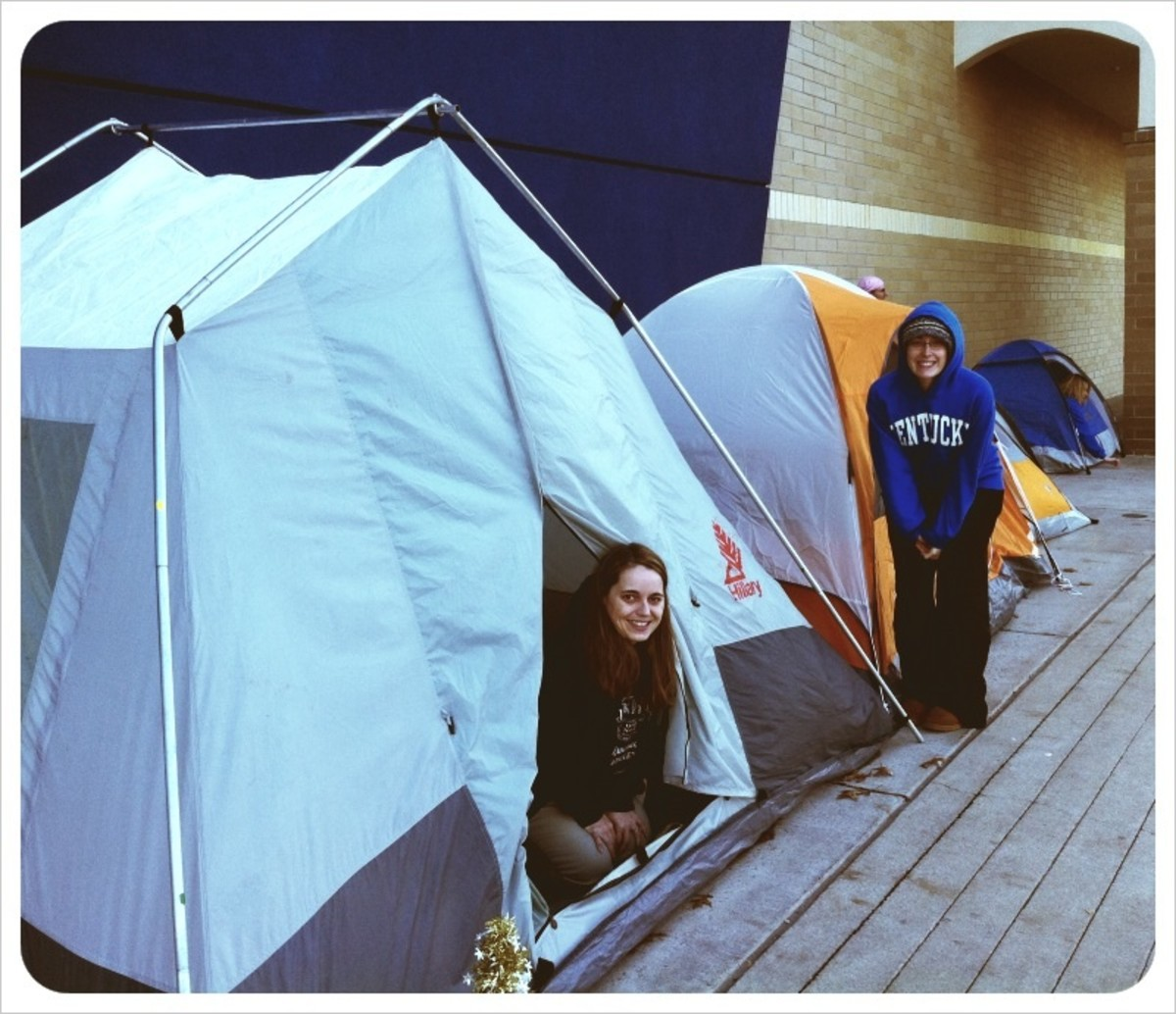 Shoppers camped at Best Buy 2 days before Black Friday sales began.