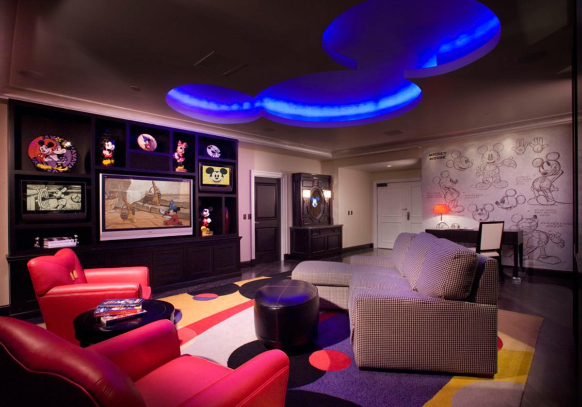 DisneylandHotel_MickeyMousePenthouse1