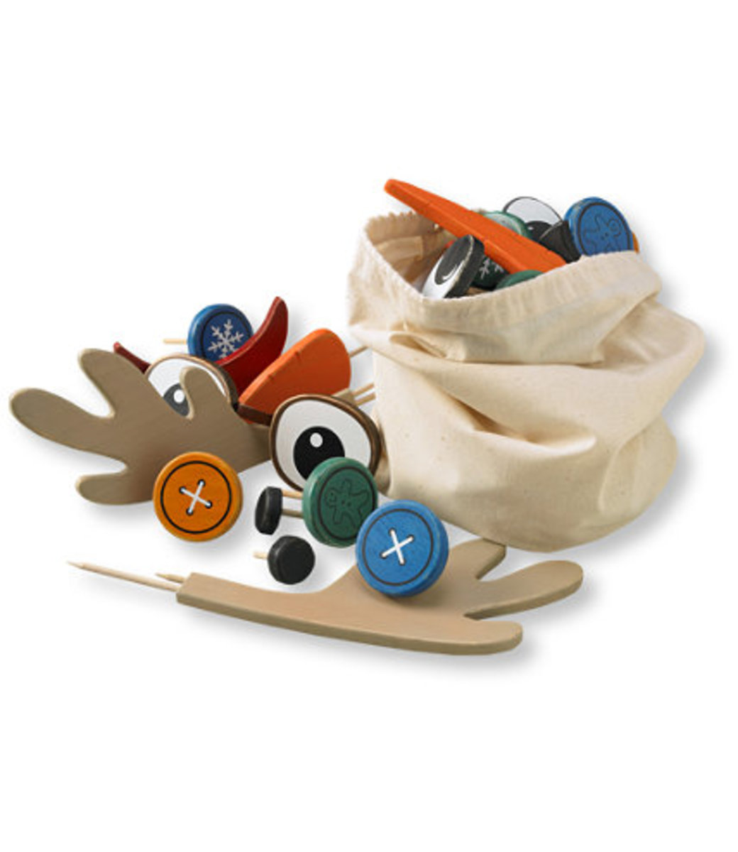 2013 Holiday Gift Guide - Hard to Shop for People- Snowman Kit - TodaysMama.com