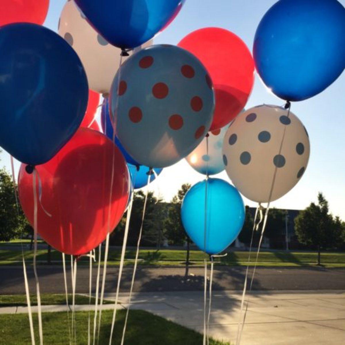 4th of July Balloon Doorbell Surprise
