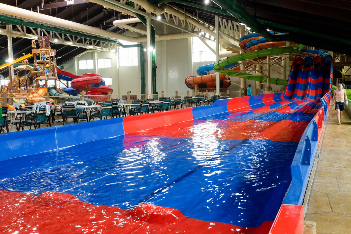 Great Wolf Lodge SoCal's indoor waterpark. (Photo: Michelle Rae Uy)