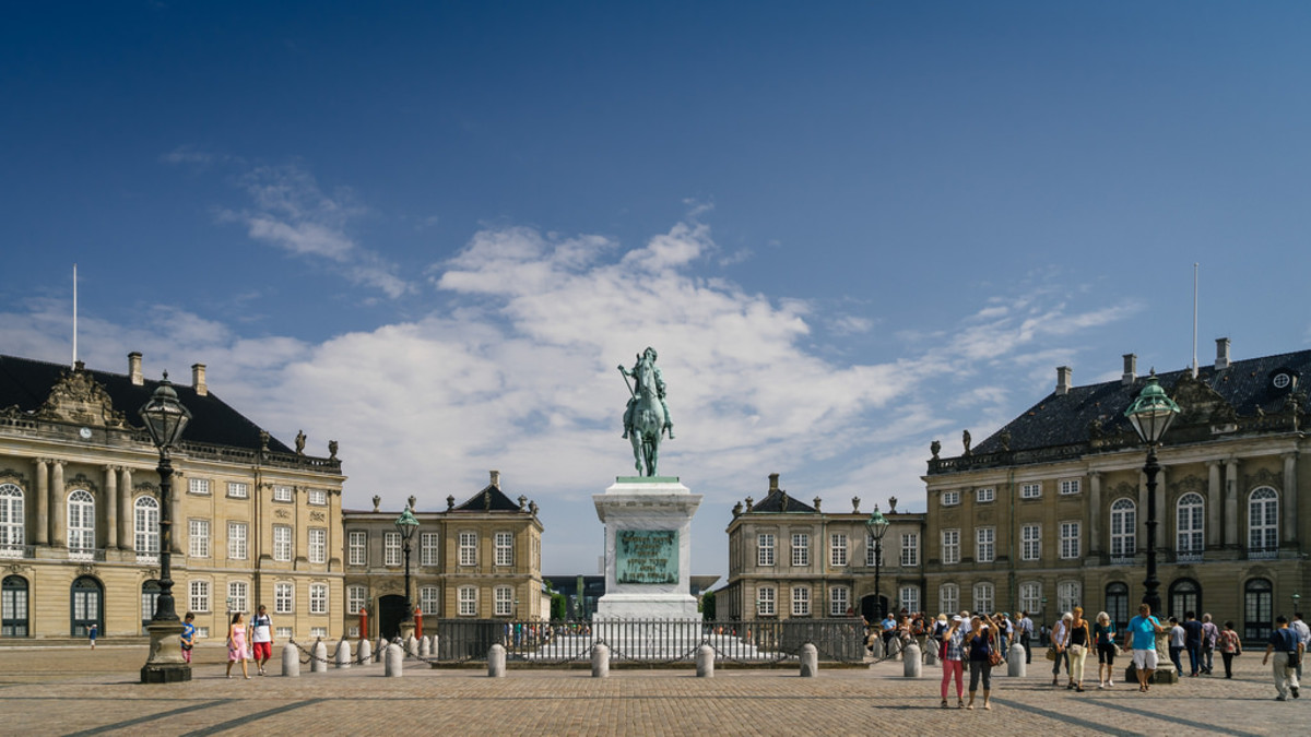 Amalienborg, home of the Danish royal family, is a great family-friendly attraction in the city. (Flickr: Benson Kua)