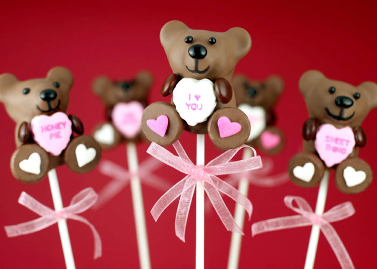 Valentine's Day Cake Pops from Bakerella