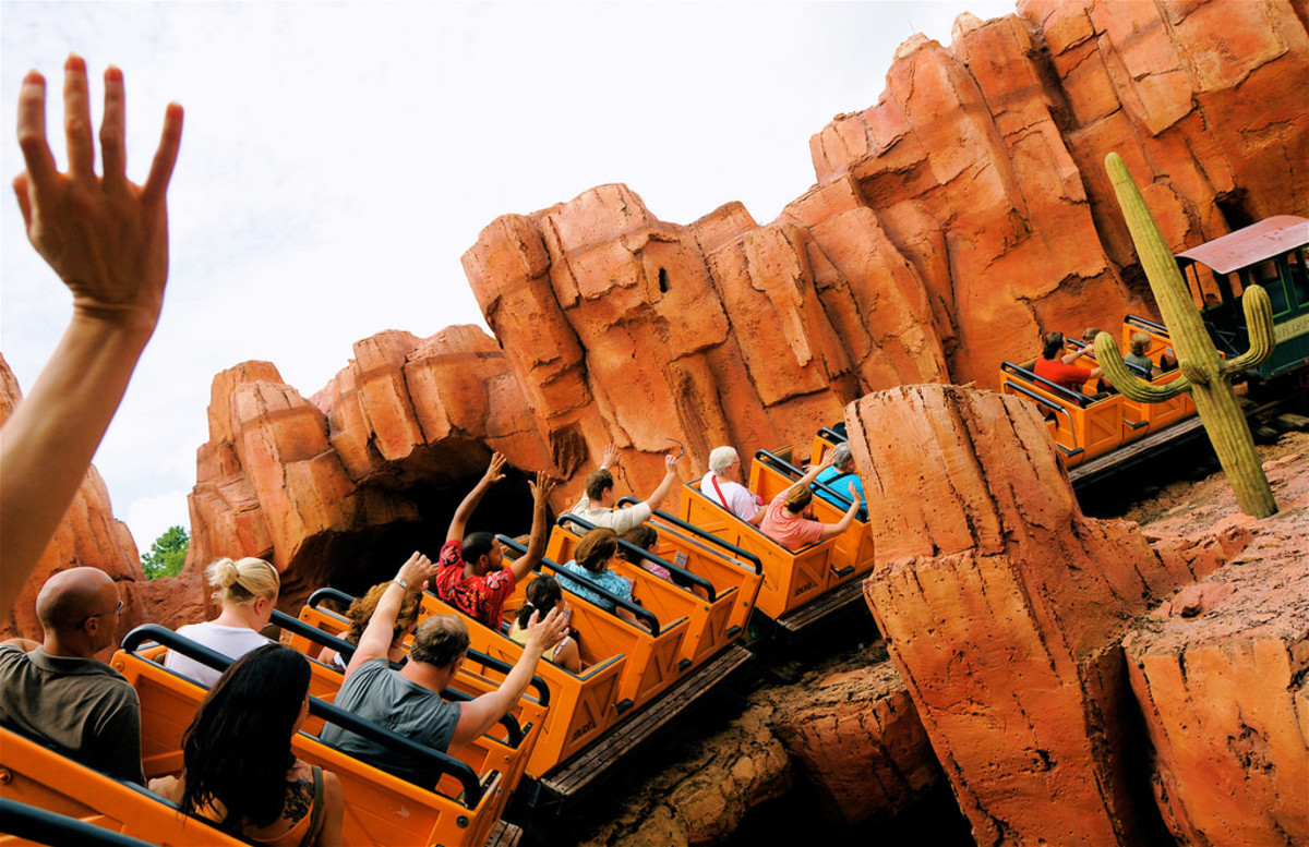 Skip-the-Crowds-Peak-Days-to-Avoid-at-Disney-World-and-When-to-Go-b4ba22f1b5ad467597edcc3a35941aaf