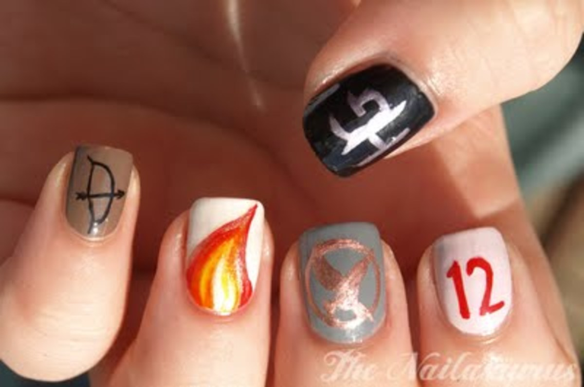 hunger-games-nail-art-symbols