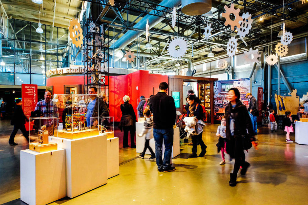 The Exploratorium is great for kids and adults too. (Photo: Michelle Rae Uy)