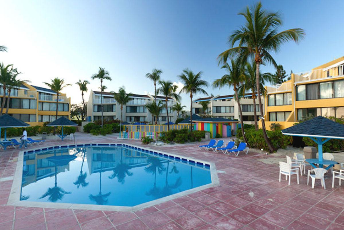 Bahamas-Hotels-That-Families-Can-Afford-368da7c84ef24282b094c6b8973dec2e