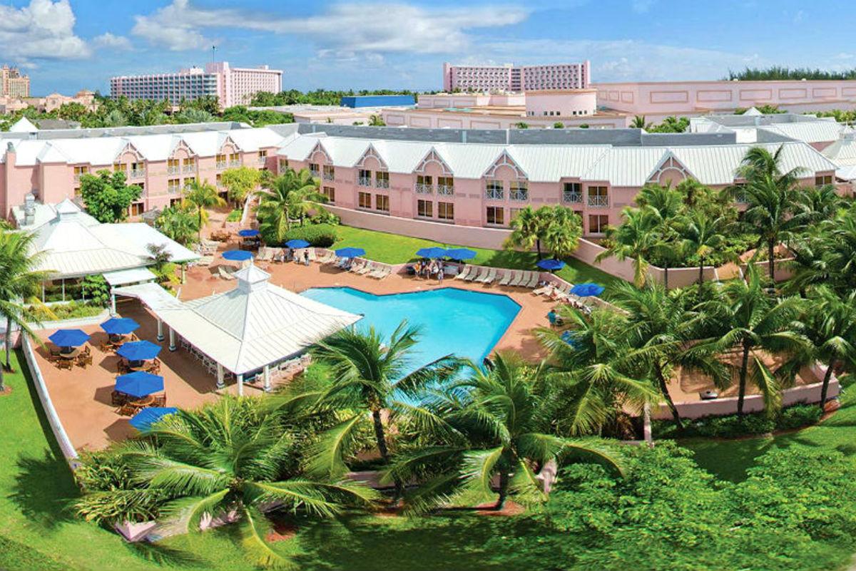 Bahamas-Hotels-That-Families-Can-Afford-3a4c95d873f34b29a94d33b11e5a18d9