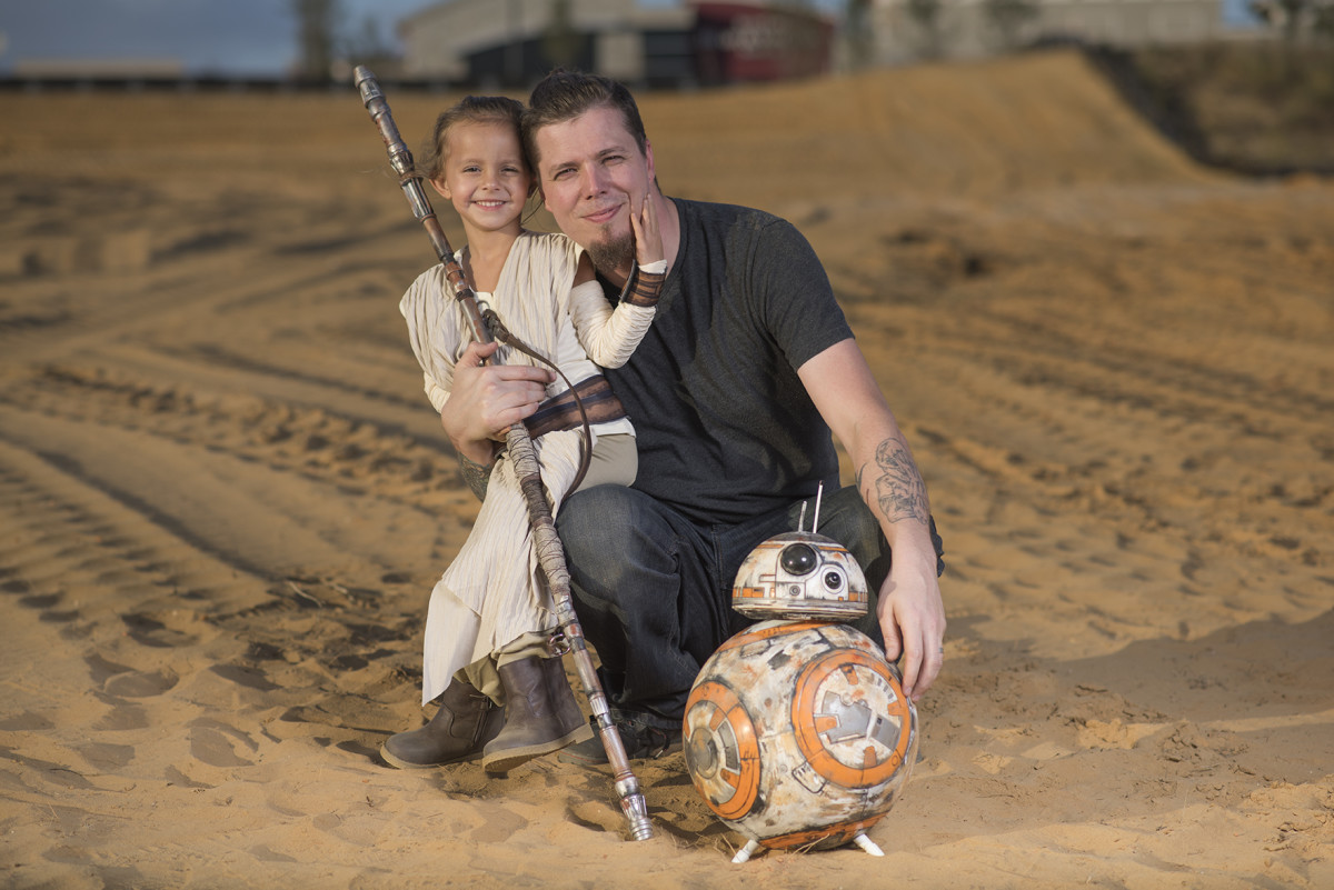 Rich Johnson and daughter dressed as Rey