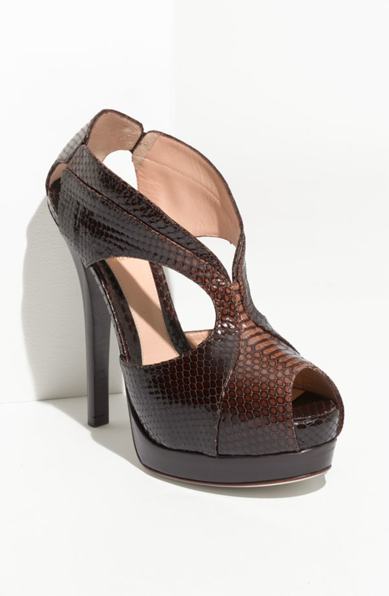 fendi snakeskin pumps
