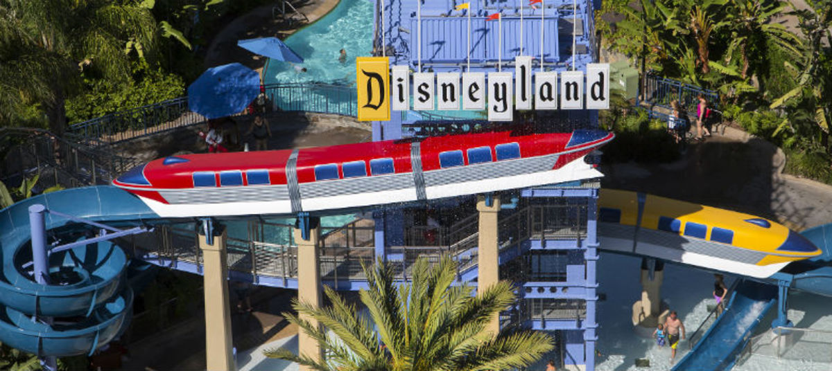Headed-to-Disneyland-this-Spring-Grab-These-Deals-Before-You-Go-9ef616ce27eb44b5878dd793f9b200d7