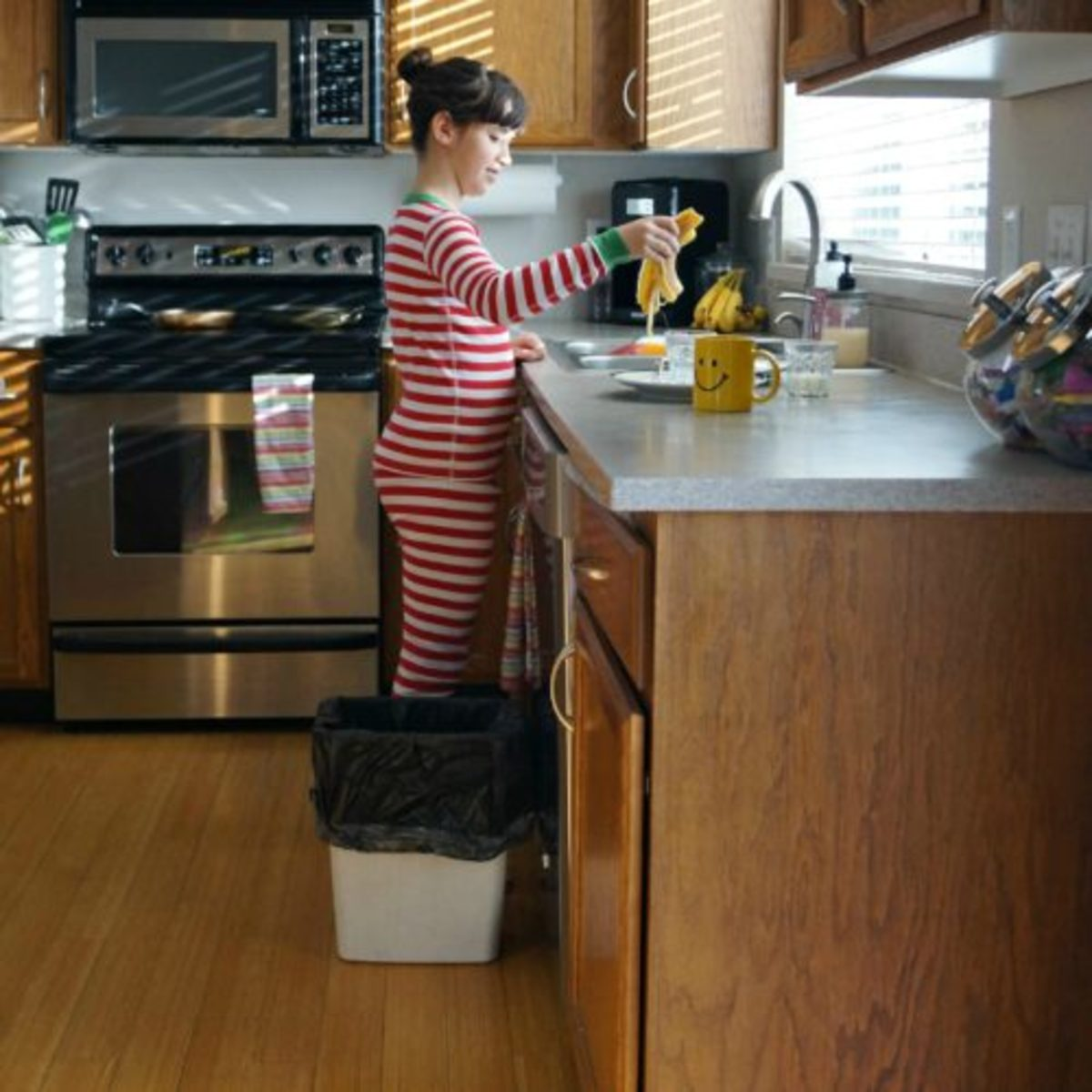 5 Reminders for Raising Helpful Kids in the Kitchen1