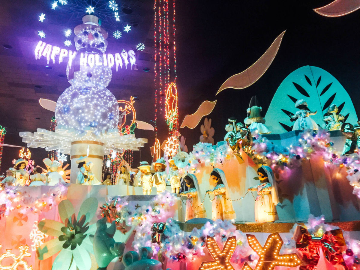 "Inside ""it's a small world"" Holidays (Photo: Michelle Rae Uy)"