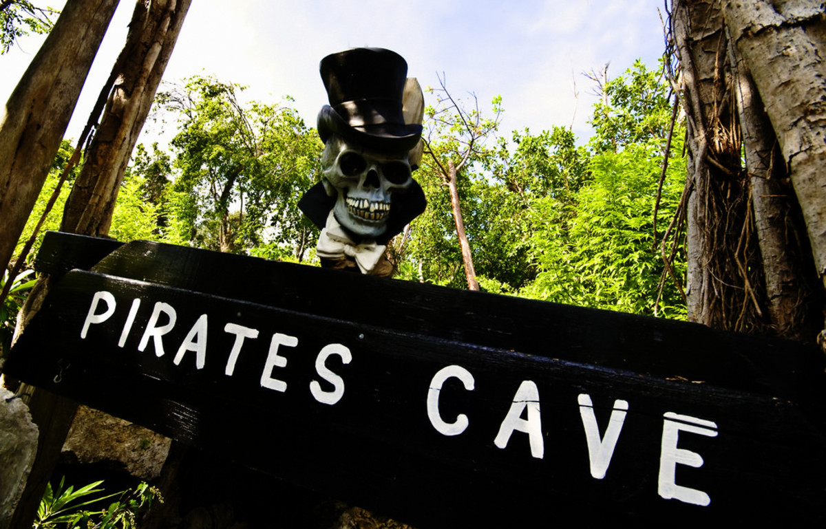 Pirates Cave in Bodden Town, Grand Cayman (Flickr: Eoin McNamee)