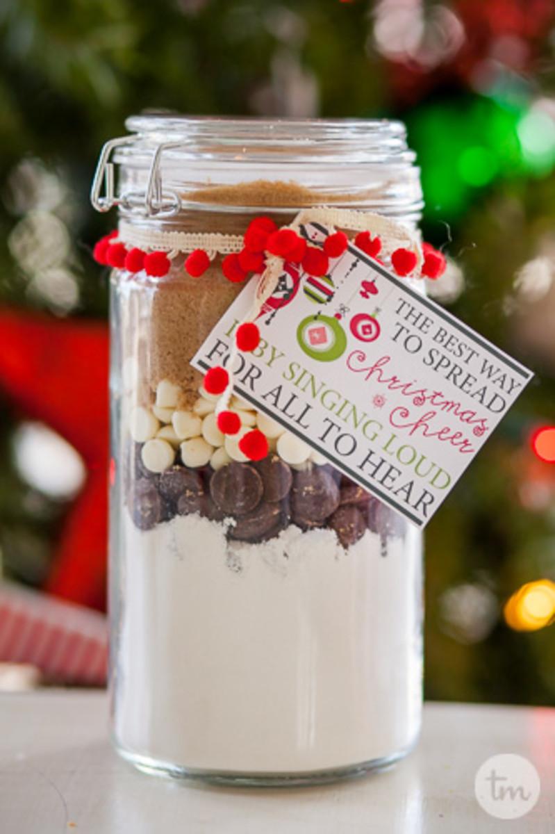 Easy Christmas Jar Neighbor Gifts