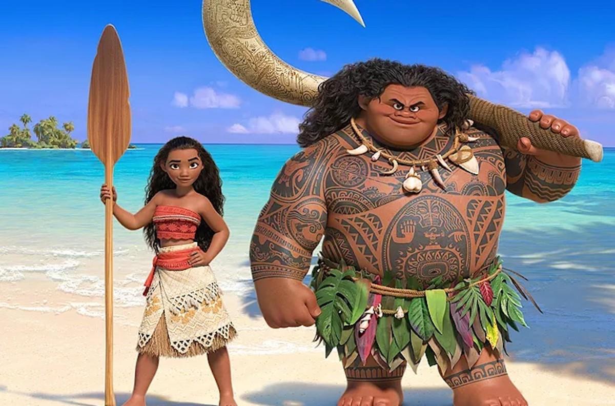 Moana and Maui in Adventureland