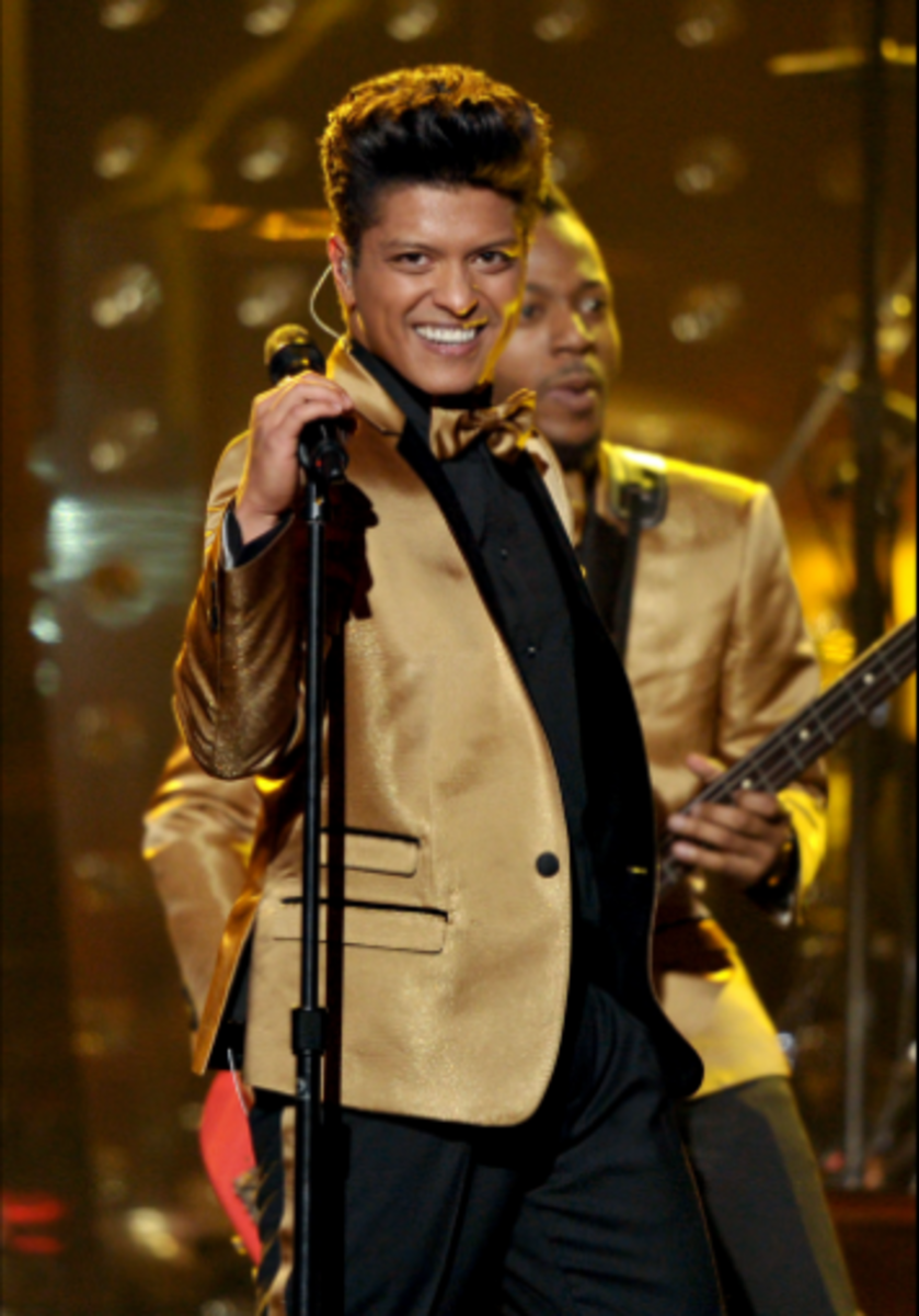 Bruno Mars Performs