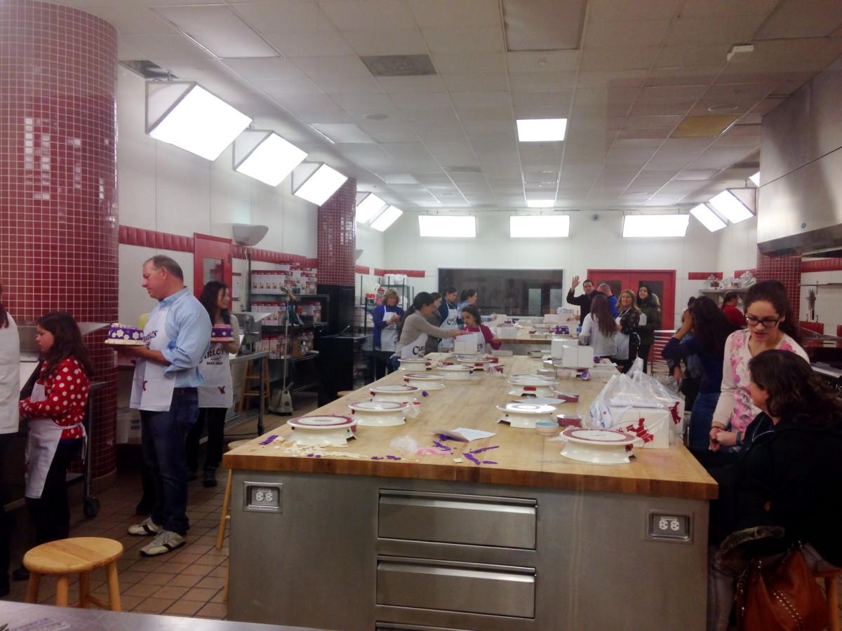 Cake Decorating Class at Cake Boss Warehouse