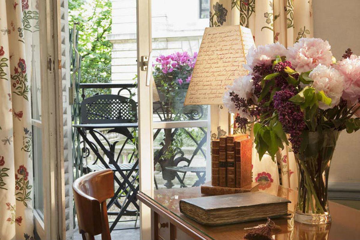 Affordable-FamilyFriendly-Hotels-in-Paris-f0d78f6189ef48ff9c927e7ffc3da148