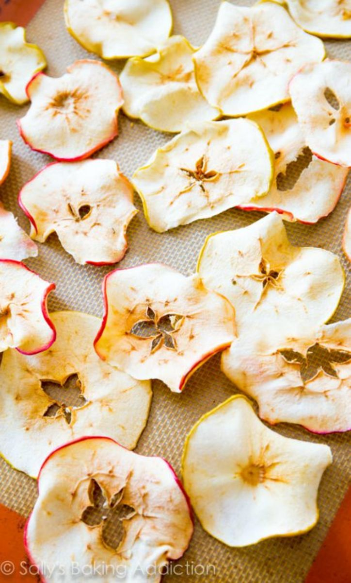Our Favorite Fall Food Recipes Baked-Crunchy-Apple-Chips-@sallybakeblog-2
